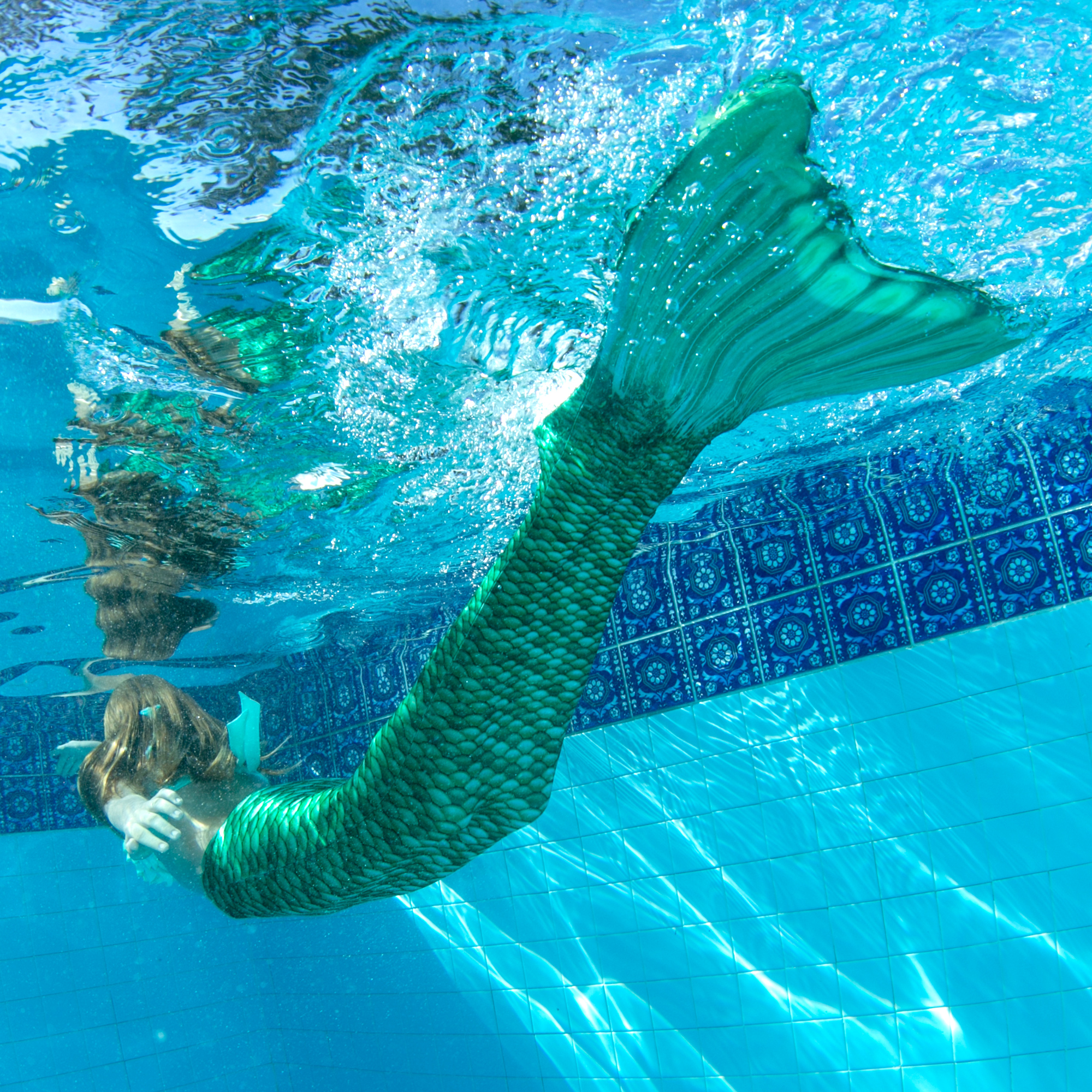 Kids-Mermaid-Tails-for-Swimming-by-Fin-Fun-No-Monofin
