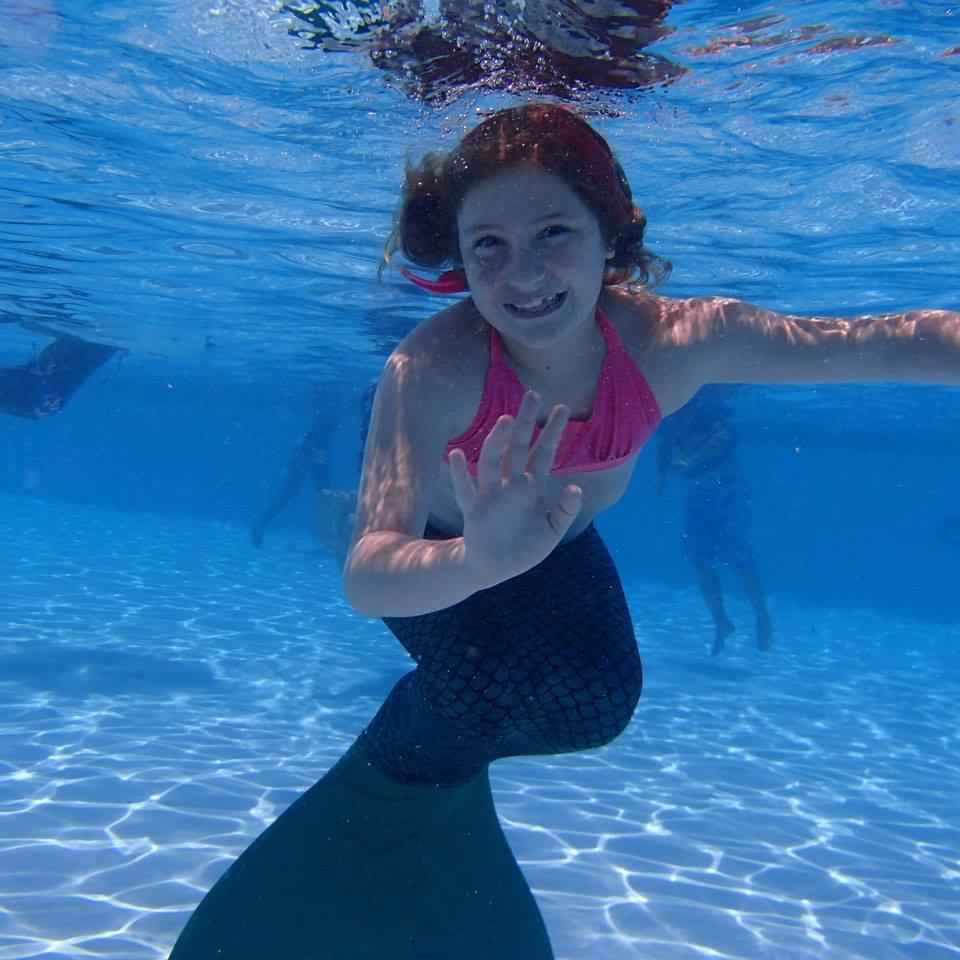 Mermaid Pictures Finfriends In Mermaid Tails