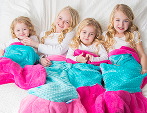 Mermaid Tail Blanket for Kids - Fuchsia/Teal
